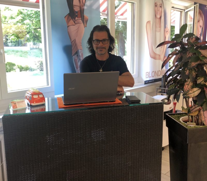 Home - Coiffeur und Hairstyling Lounge 11