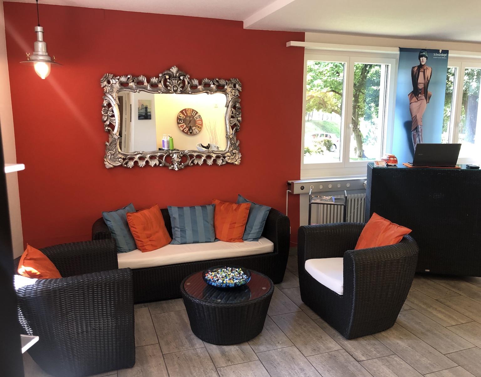 Pflegeprodukte - Coiffeur und Hairstyling Lounge 2